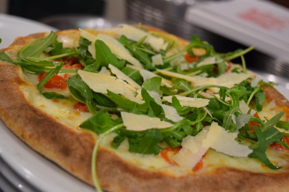 pizzeria-napoletana-forno-a-legna-pizza-alta-reggio-emilia
